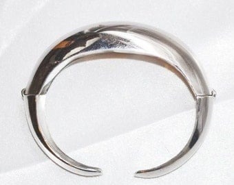 Vintage Signed Coro Pegasus Bracelet Double Hinged Cuff in Silver Tone