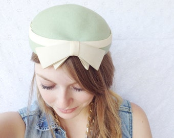 Vintage Green and Cream Hat With Bow