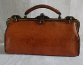 Vintage French travel bag 'sac-diligence' bag in tan leather