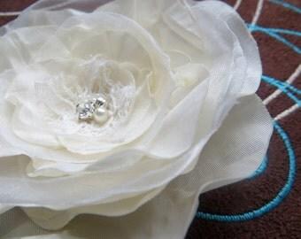 Bridal hairpiece, accessory, bridal headpiece, bridal hair clip, wedding hair flower, wedding hair accessory, bridal floral headpiece