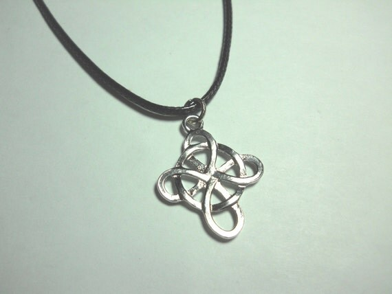 antique silver celtic cross pendant men 39 s necklace women. Black Bedroom Furniture Sets. Home Design Ideas