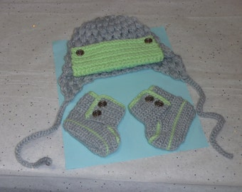 Baby boy's bomber hat and booties