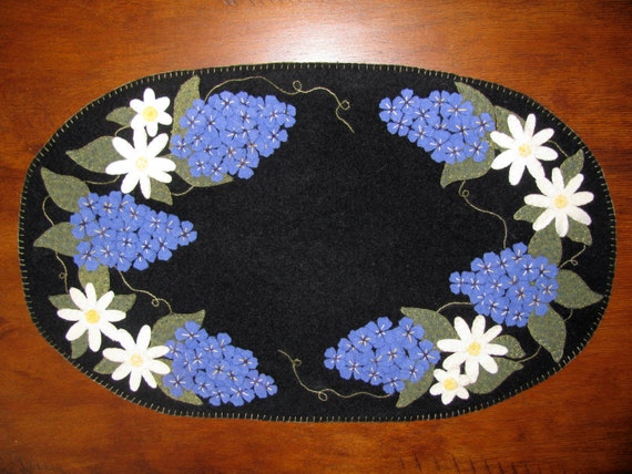 Lilac Amp Daisy Wool Applique Table Mat Candle Mat Wool Kit