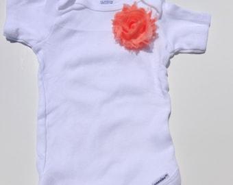 Baby girl onesie, Peach flower onesie, Baby girl clothes, Baby girl bodysuit, Flower girl onesie, Single flower onesie