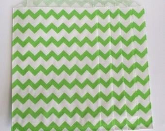 "Trendy green chevron party favor paper bags 5 x 7.5"" - Set of 20"