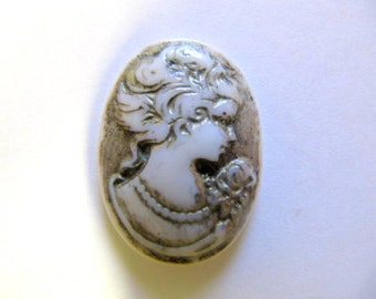 Cameo, Hand Painted, 25 x18 mm, Vintage Lady, Pendant, Resin, Acrylic, Bead Embroidery, Wire Wrapping, Cabochon, Jewelry, Cam 203