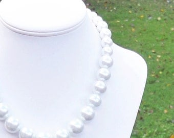 Teeana - Graduated White Glass Pearl Beaded Necklace - Large, Chunky, Bridal, Formal