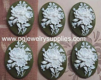 25mm x 18mm oval resin cabochon white bouquet on green background 6 pcs lot l End of stock