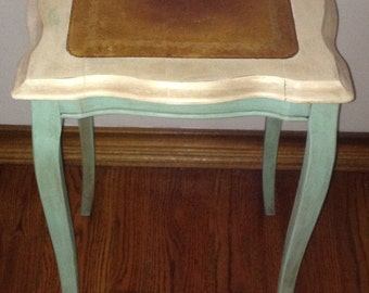 Vintage Accent Table/ Side Table/nightstand/antique Accent Table
