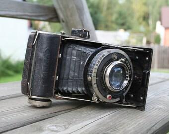 Balda Baldax vintage camera.