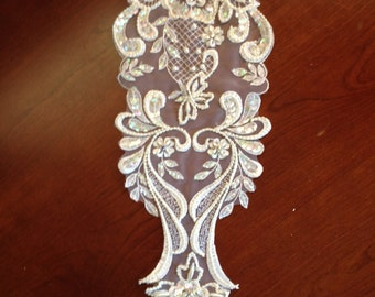 Elegant Venice Lace Applique
