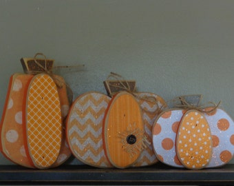 Pumpkin set, Chunky wood shelf sitters