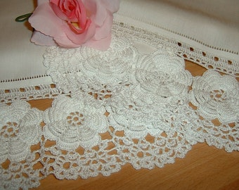 Lace crochet curtain rose in Ireland to. Window decoration in white cotton. Lace edge. Shabby chic style. To order.