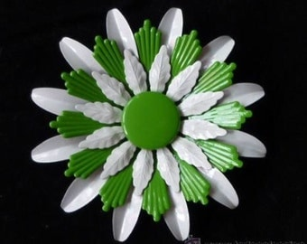 Beautiful vintage 1960 green and white enamel flower brooch