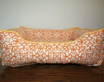 Reversible dog or cat bed. Custom made for your best friend. Style: Amber & Cream