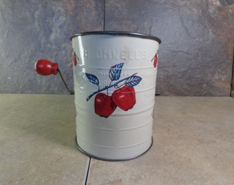 Vintage - Bromwell - Apple Pattern - Hand Sifter - Mixer - Used