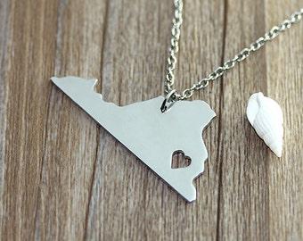 I heart  Virginia Necklace - Virginia  Map Pendant - State Necklace - State Charm - Map necklace - Map Jewelry
