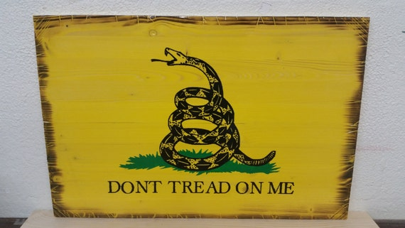"UNFRAMED*** Wooden Rustic-Style ""Dont Tread On Me"" Sign (Gadsden Flag)"