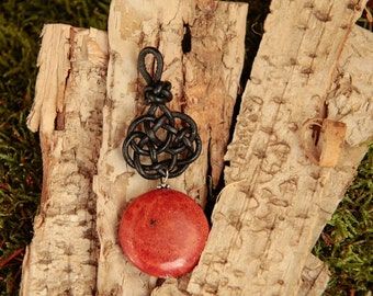 Leather node no. 5 with gemstone pendant sponge coral