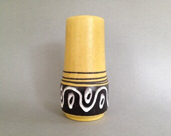 Scheurich Keramik 529  / 18  vase made in the 1960s in West Germany.   WGP vase.