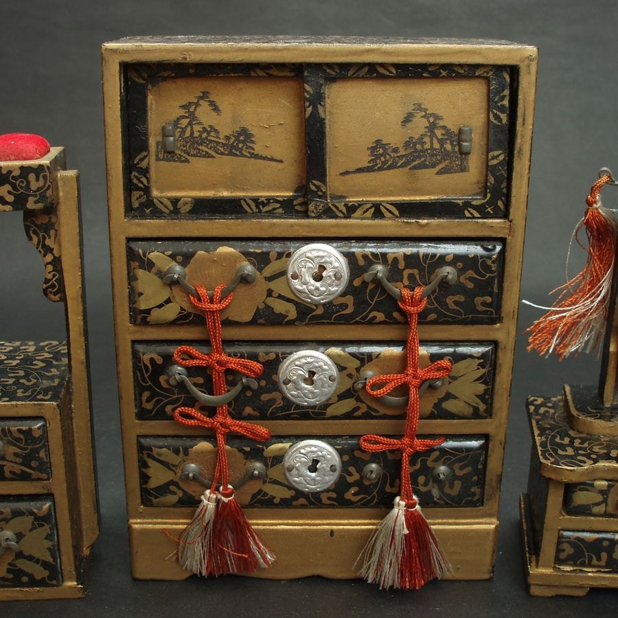 Vintage miniature set of traditional japanese furniture for Traditional japanese furniture