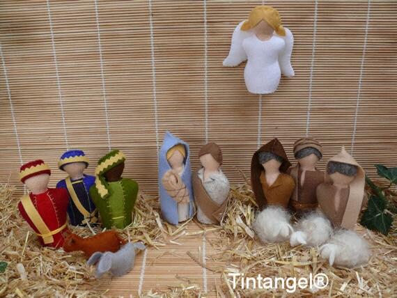 Kerstgroep, het complete tafereel met alle figuren uit de Kerstgroep te maken van wolvilt. PDf download patroon.