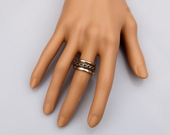 Lovely Silver Vintage design SPIN RING ring .
