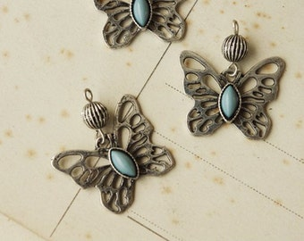 2pcs Lovely Butterfly charms pendant.