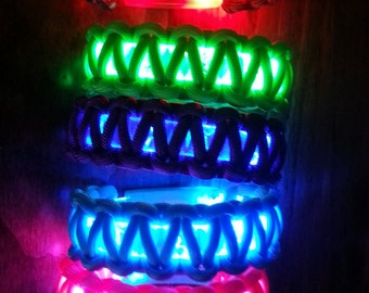 Led light up paracord bracelets