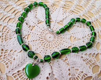 Handmade Unique Green Swarovski Beads Pendant Necklace