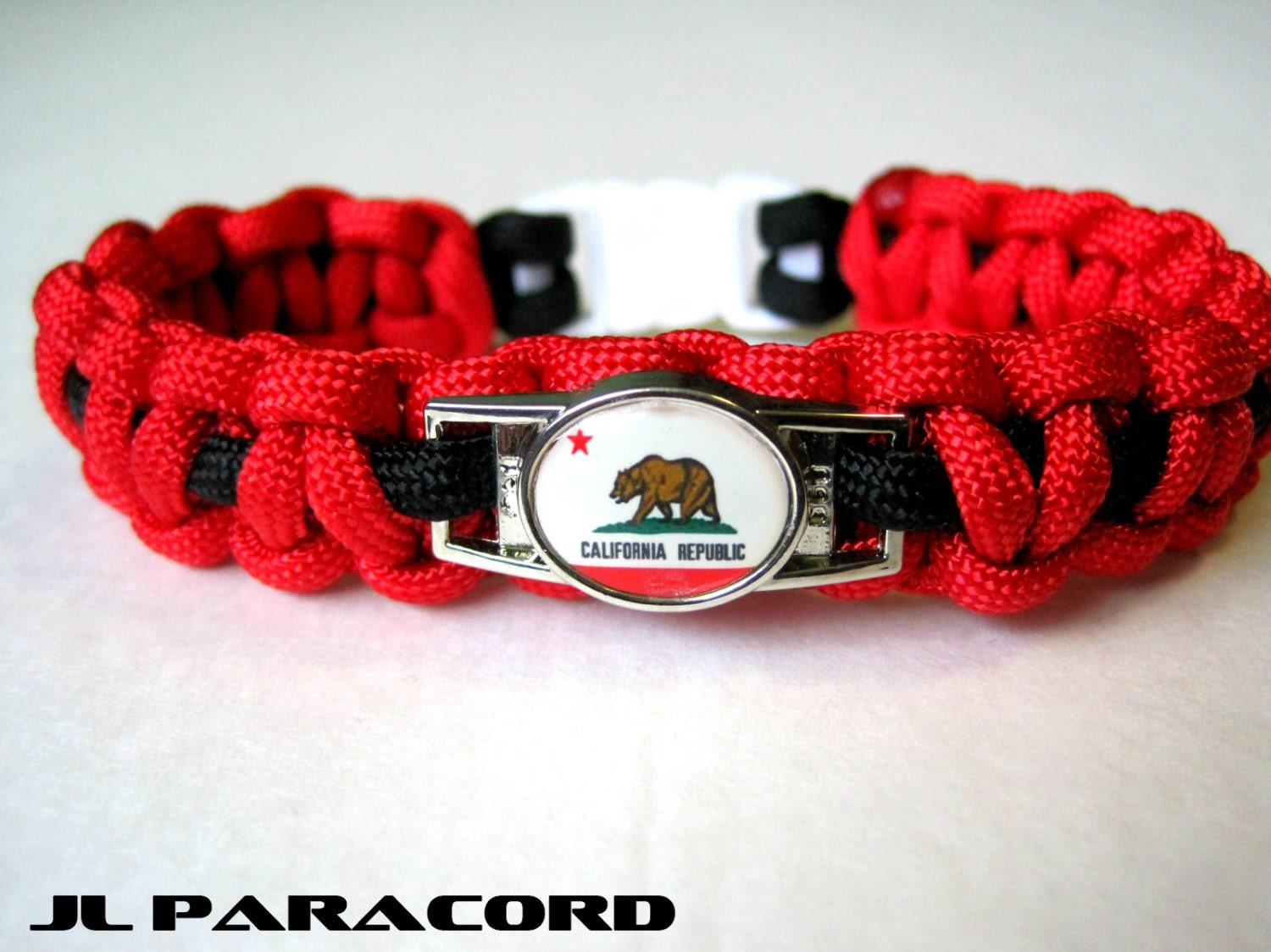 california paracord charm bracelet by jlparacordgear on etsy