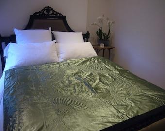 Vintage Satin Green bedcover