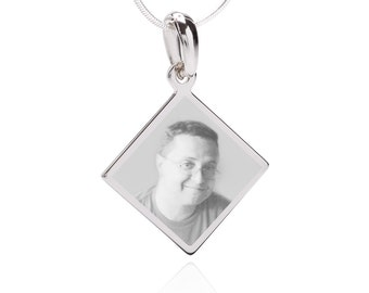 Photo Engraved QR Code Jewerly Pendant- Diamond