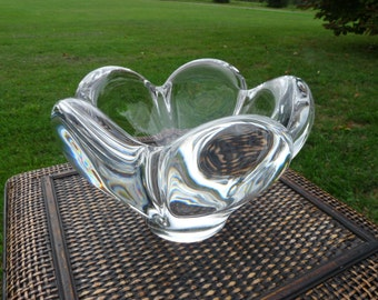 Signed Kosta 57602 Art Glass PANOMA Scallop TULIP PETAL Thick Walled, Modern Crystal Bowl