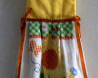 Hanging Towel - Sun Flower with Yellow Top Trimmed in Orange