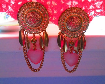 Funky Mod Clip Earrings Pink Hearts Chains and More Really neat