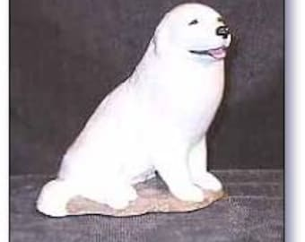 Great Pyrenees Dog Figurine