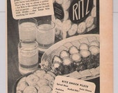 Ritz crackers '40s print ad Nabisco recipe vintage snack food advertisement WWII 1944