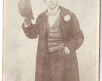 Dapper man in hat and suit theatrical cabinet card photo