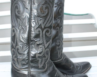 Fantastic high Cowgirl Boots!