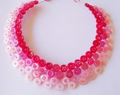 Button necklace in red and pink ombre