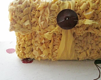 CROCHET CLUTCH YELLOW