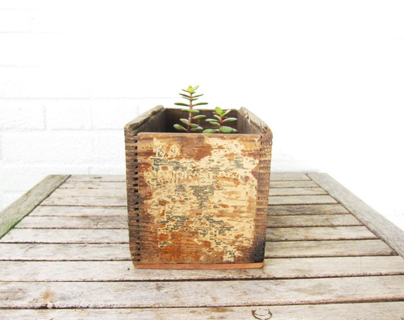 Vintage Wood Box - Rustic Wooden Storage - Farmhouse Decor - Organization - Planter Box - Shabby Chic Barn Wedding Decor - Dovetail Wood Box