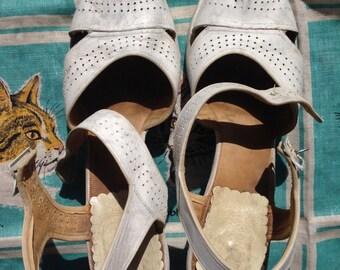 40's white platform sandals. 10 M, 10 1/2, EU 42 or 43.
