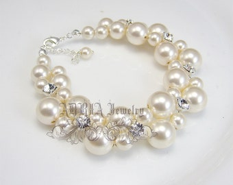 Pearl Bridal Bracelet, Chunky Wedding Bracelet, Rhinestone Pearl Bracelet. Swarovski Bridal Jewelry, Bridesmaids Bracelet