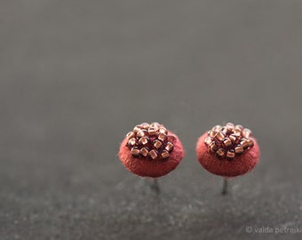 Marsala studs - Modern round felt earrings - Burgundy post ear studs - Copper brown brick red posts - Summer fashion bridesmaid gift idea
