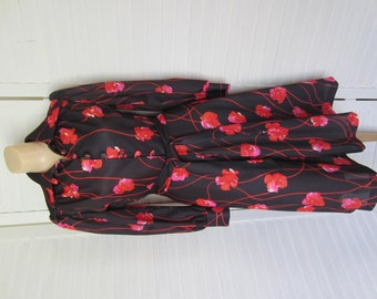 Dress, Black and Red Knit with Flowers from 70s - Size M
