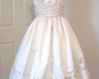 Vintage 1950's Style Wedding Dress Bridal Satin Lace Beauty