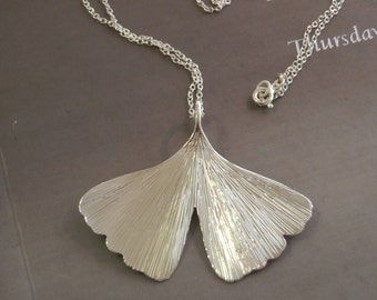 GINKO -  Large ginkgo necklace in sterling silver
