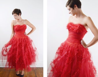 s a l e 1950s Red Tulle Party Dress / 1950s Cupcake Dress - XS/S